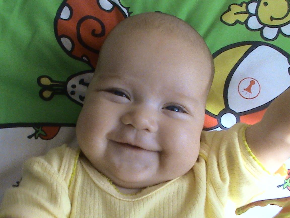 Первая улыбка Алиночки. Время улыбаться