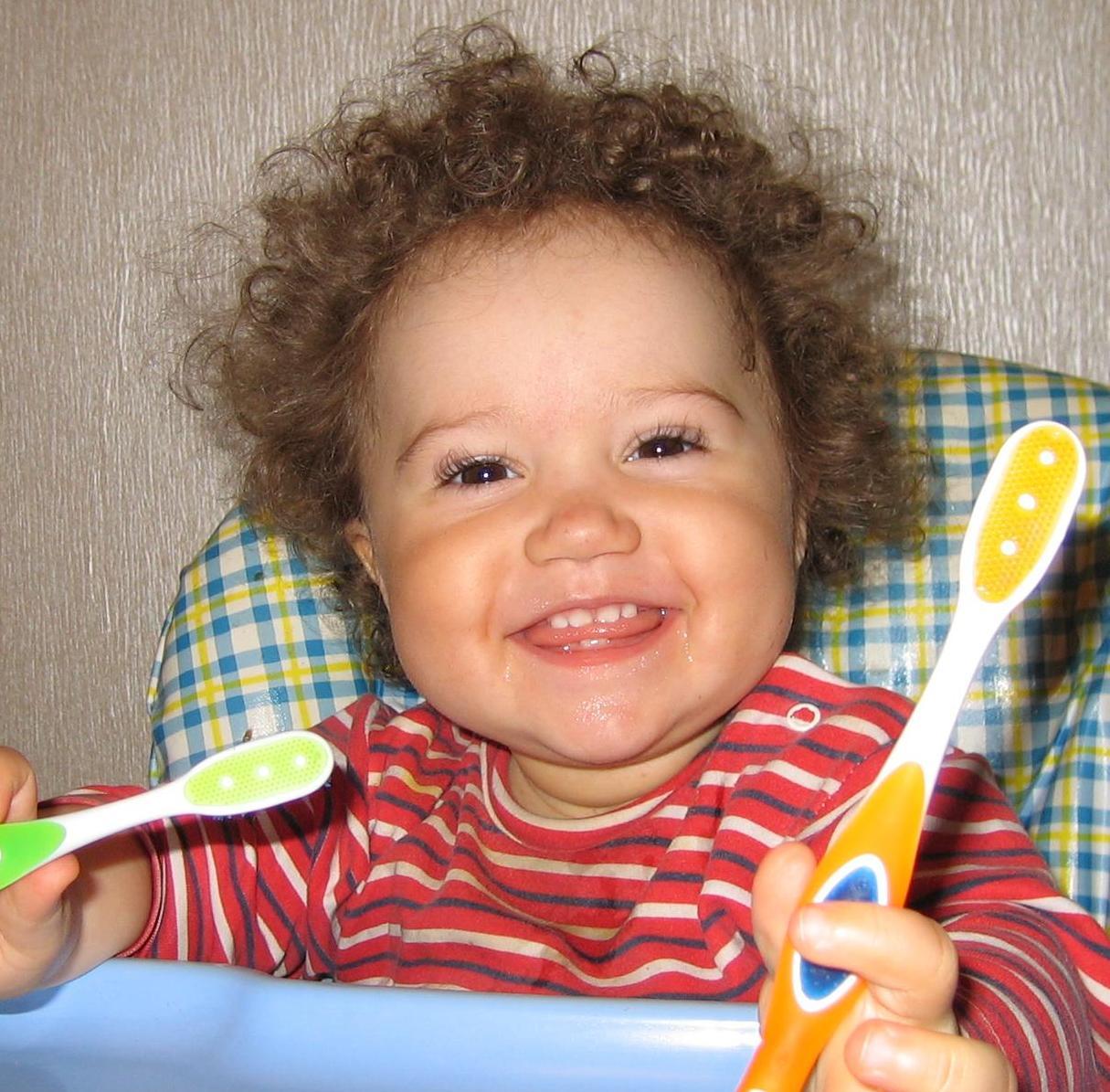 Весело чистить зубы. Время улыбаться