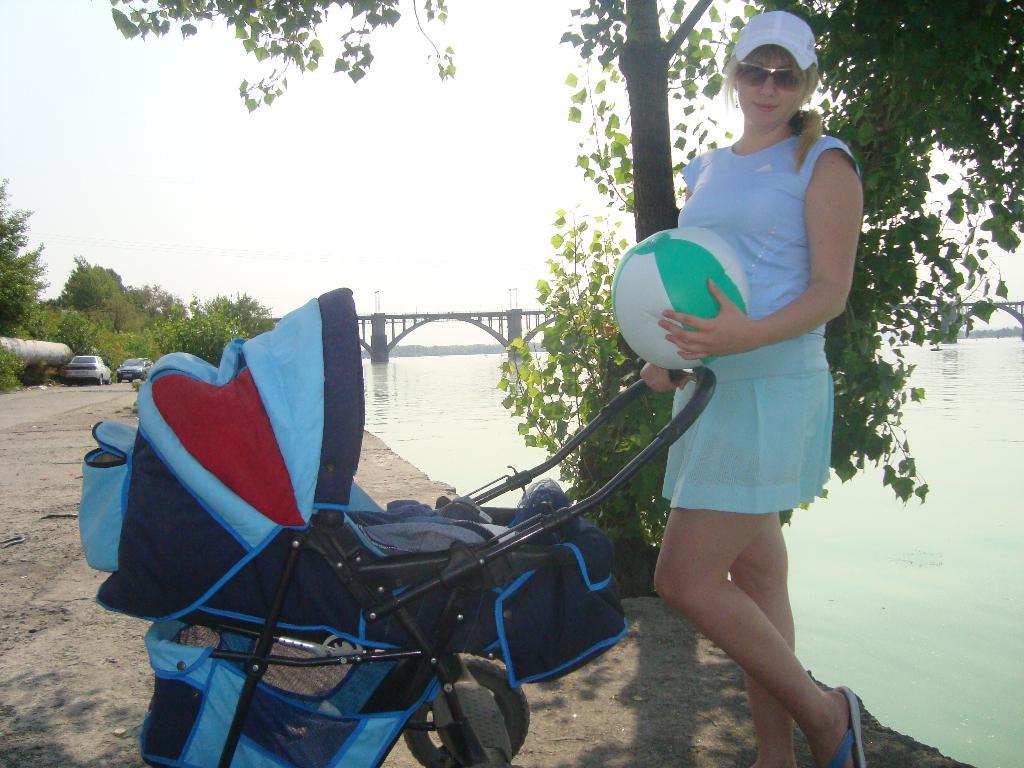 с манюнькой на рыбалке.... Дети на прогулке