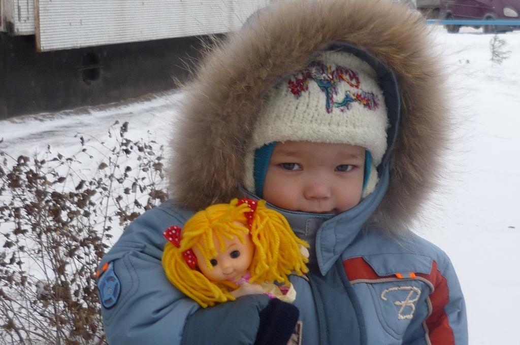 с куклой. Детские портреты