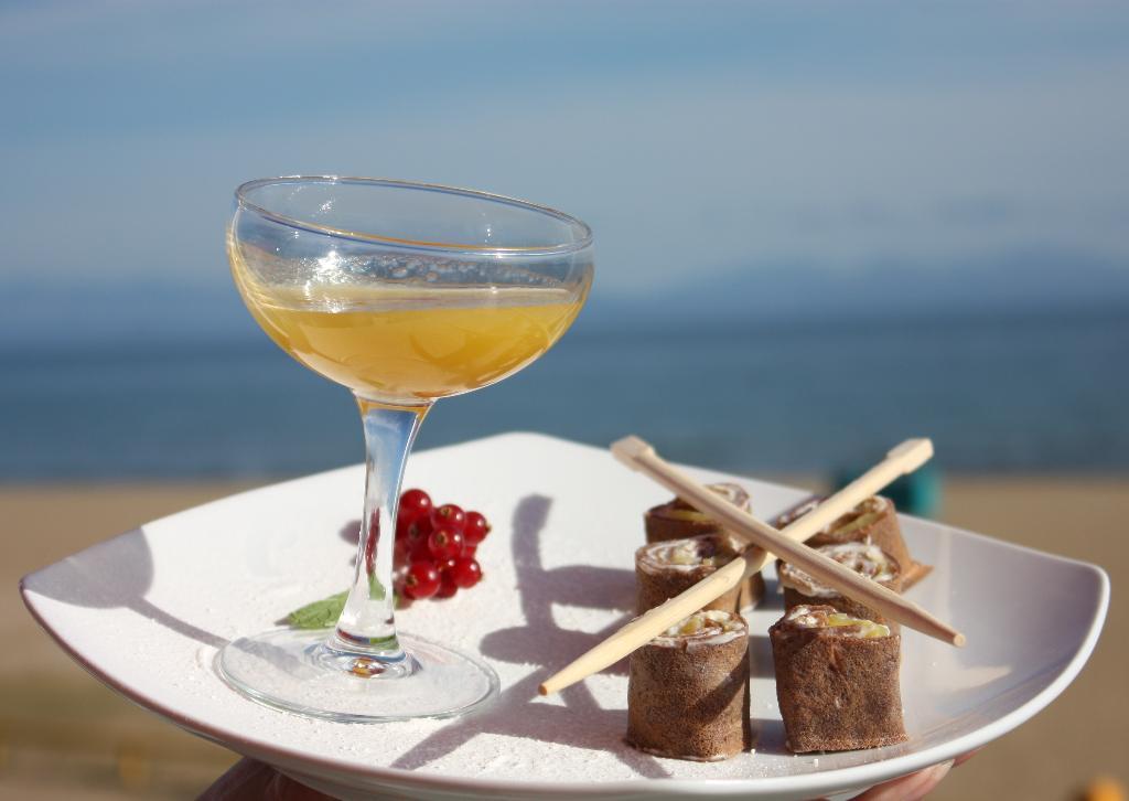 Десерт в кафе на пляже Шамора (Владивосток).. Блиц: десерты