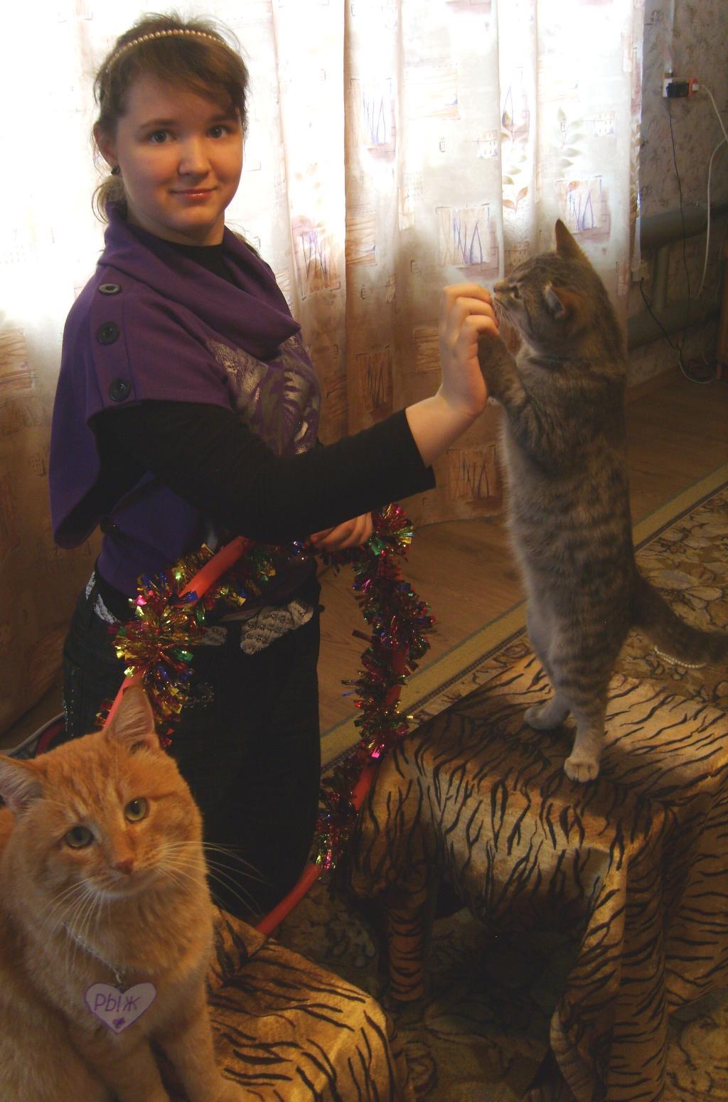 Я и мои любимые котики  - Рыжик и Барсик. Наши меньшие друзья