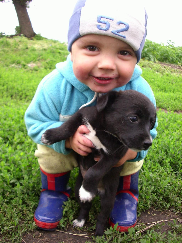 Ванюшка с щенком.. Наши меньшие друзья