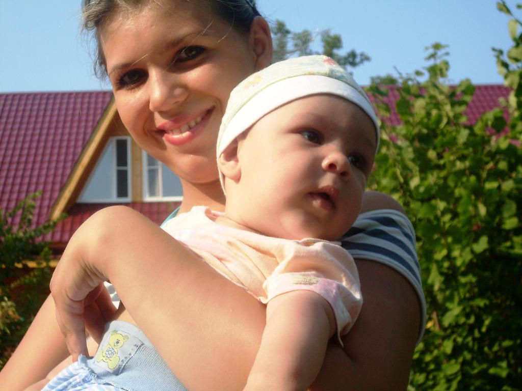 С сыночком. Мадонна с младенцем