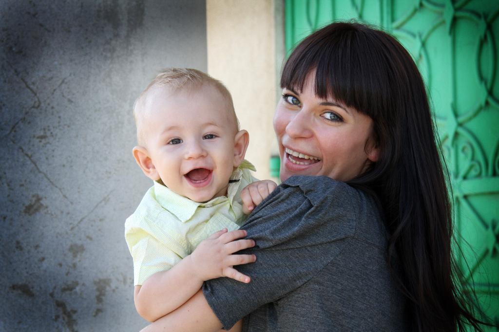 Мы самые счастливые. Мадонна с младенцем