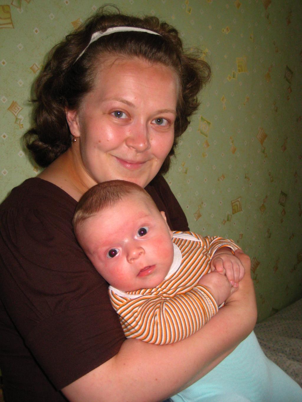 Мама сказала: смотреть на бабушку внимательно!'. Мадонна с младенцем