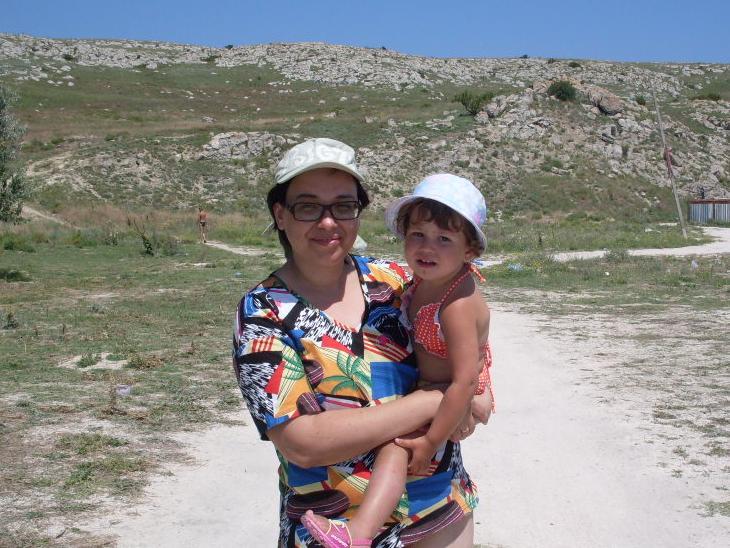 С мамой можно и на скалы. Мадонна с младенцем