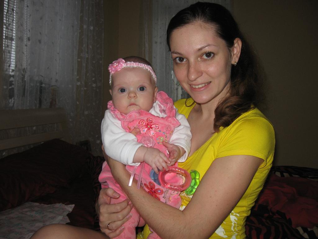 Люблю её!. Мадонна с младенцем