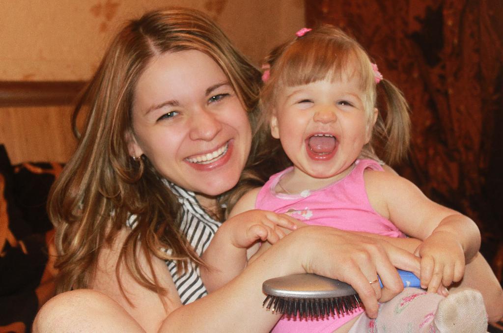 Вот так выглядит счастье!!!!!!!!!!!. Мадонна с младенцем