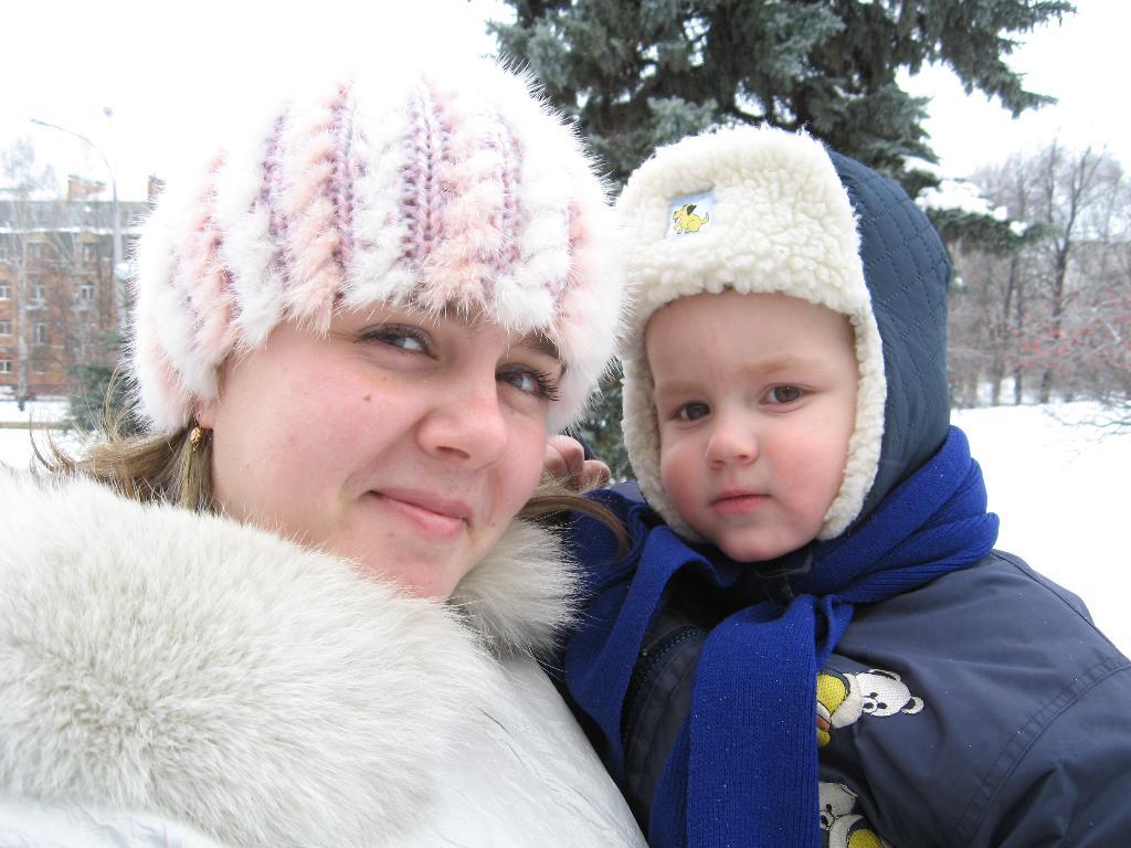 Вместе нам и мороз не страшен!. Мадонна с младенцем