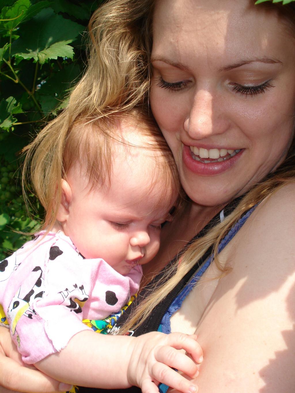 мама и её золото. Мадонна с младенцем