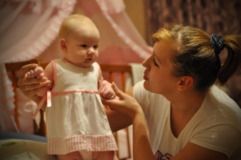 счастливая мама. Мадонна с младенцем