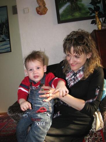 На молоденькой лошадке.... Мадонна с младенцем