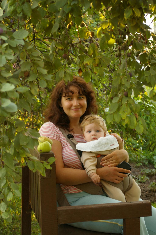 Нам 6 месяцев :). Мадонна с младенцем