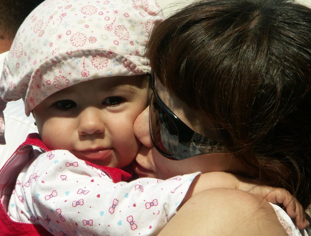 Моя радость - дочка Феличия. Мадонна с младенцем