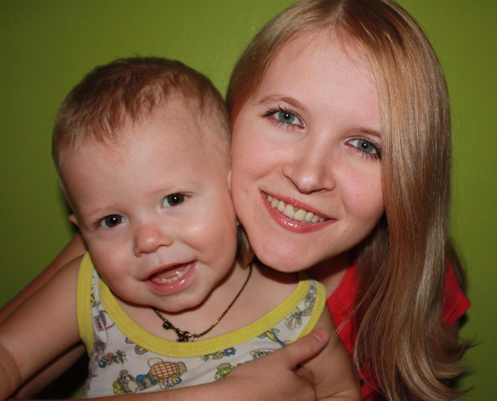 Моё счастье в моих руках!. Закрытое голосование фотоконкурса 'Мадонна с младенцем'