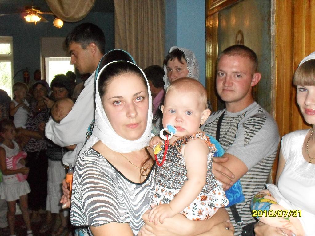 крещение Настюши. Мадонна с младенцем