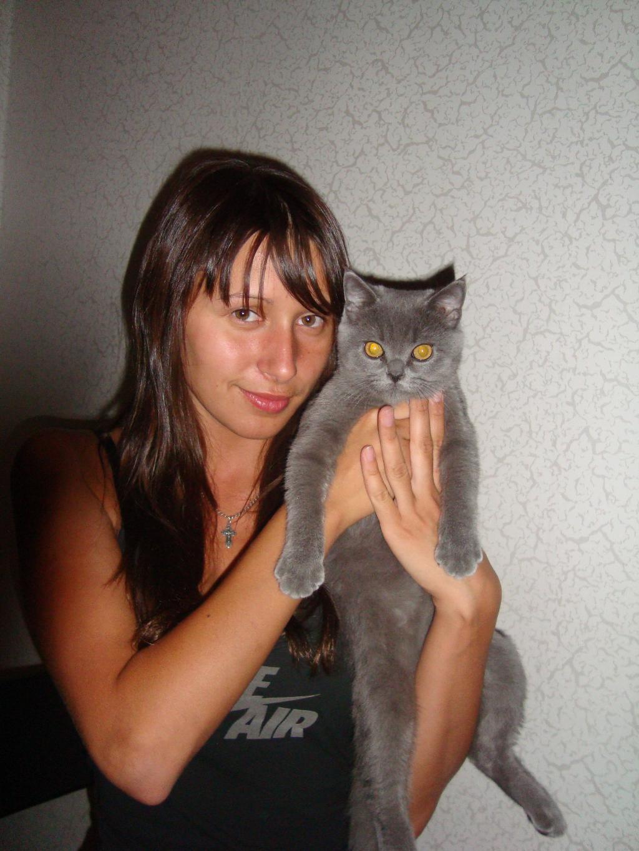добрый котик))). Наши меньшие друзья