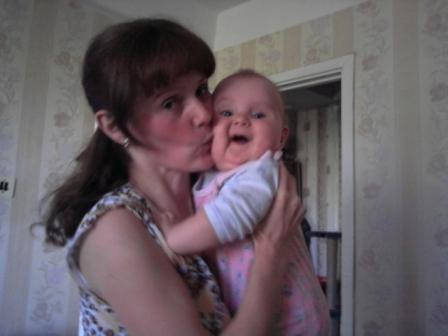 Дочка - я тебя люблю!!!. Мадонна с младенцем