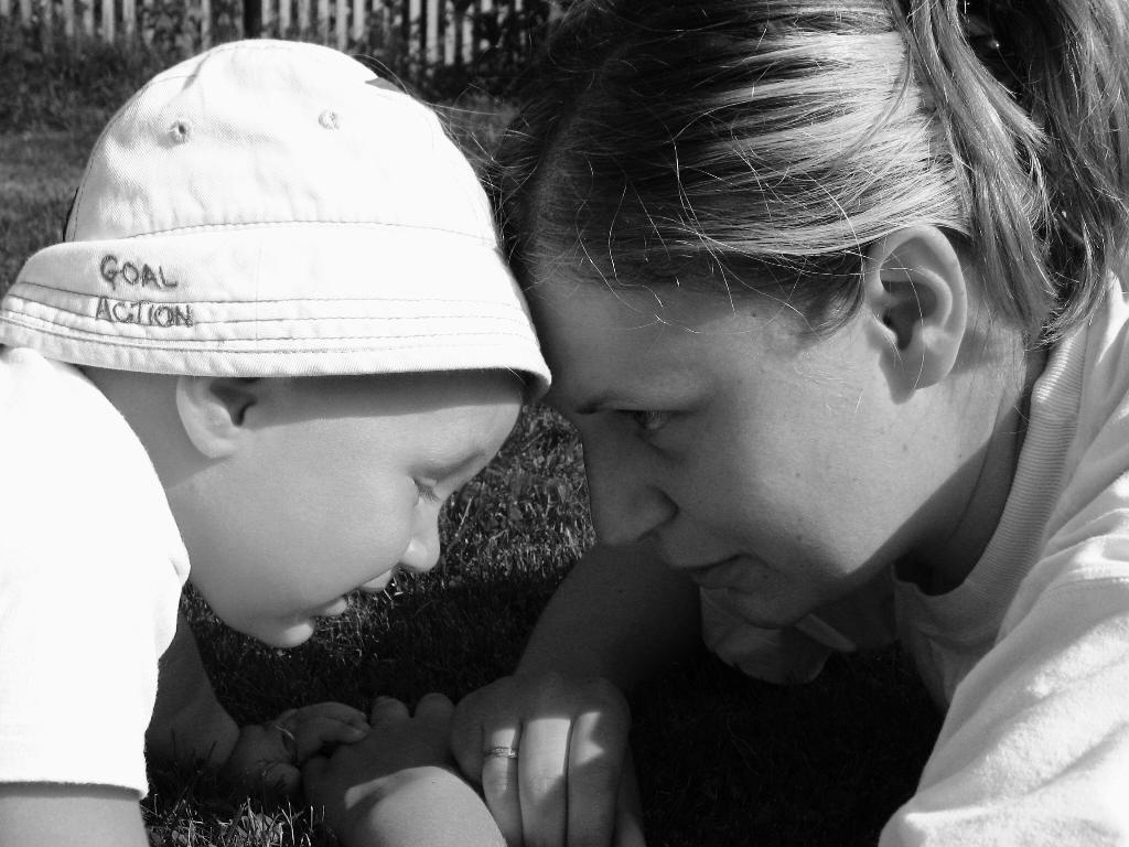 Мама-первое слово, главное слово, в каждой судьбе.. Мадонна с младенцем