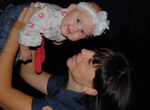 С младшей дочкой Ксенией. Мадонна с младенцем
