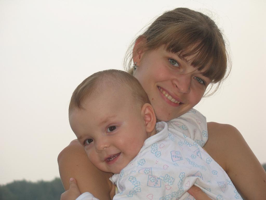 Вот такая любовь)))). Мадонна с младенцем