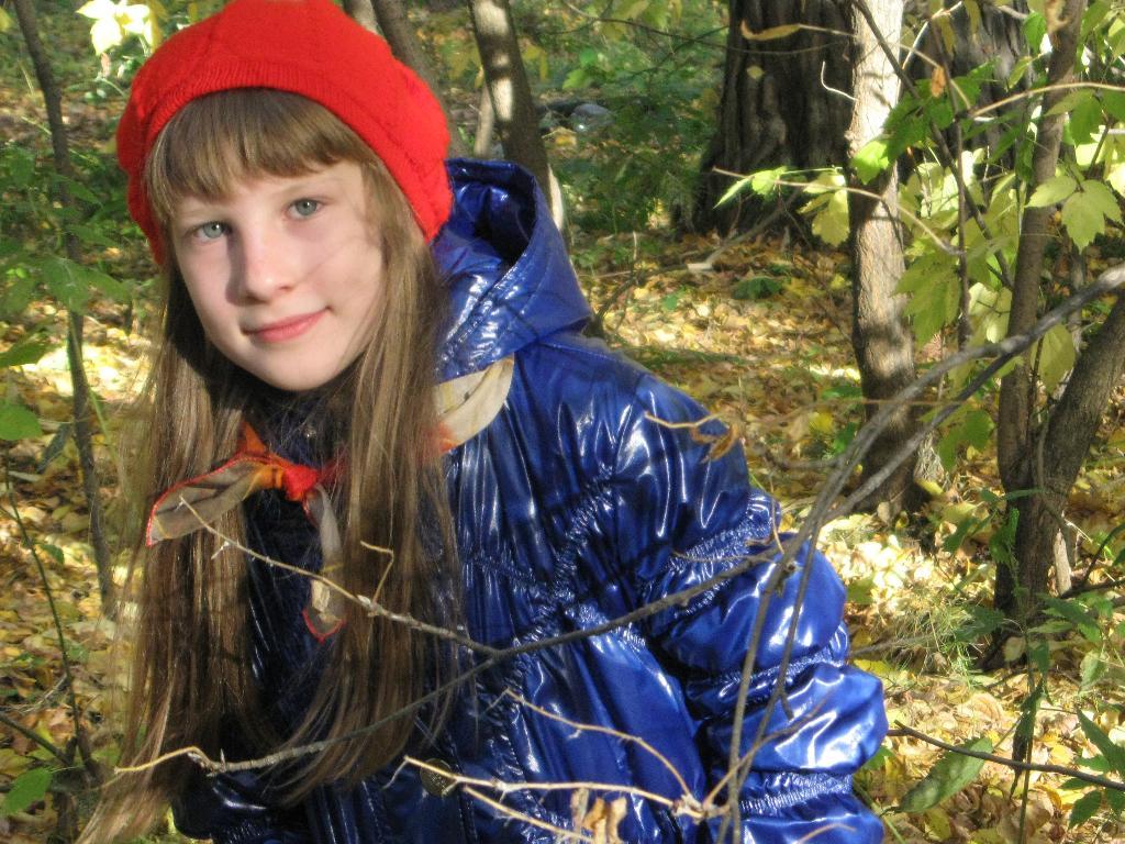 Ккрасная шапочка в лесу. Осенняя прогулка