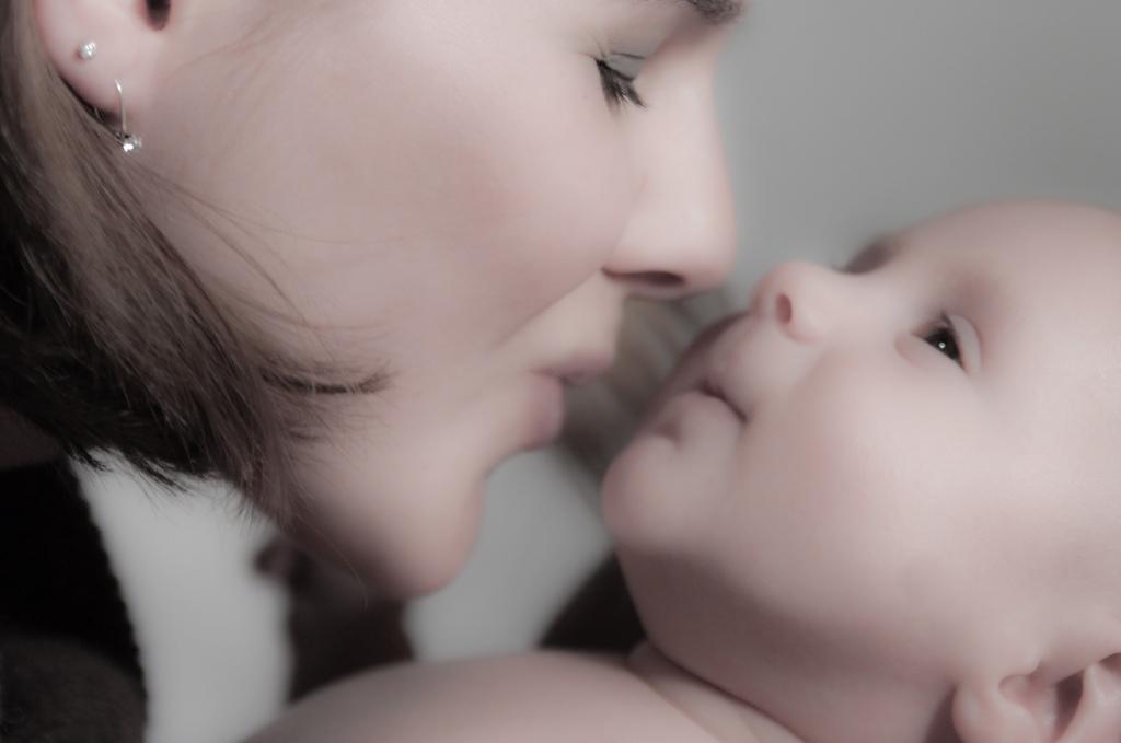 Нежность. Мадонна с младенцем