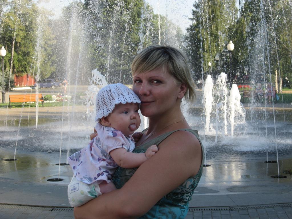 ....а какая на вкус вода в фонтане?. Мадонна с младенцем