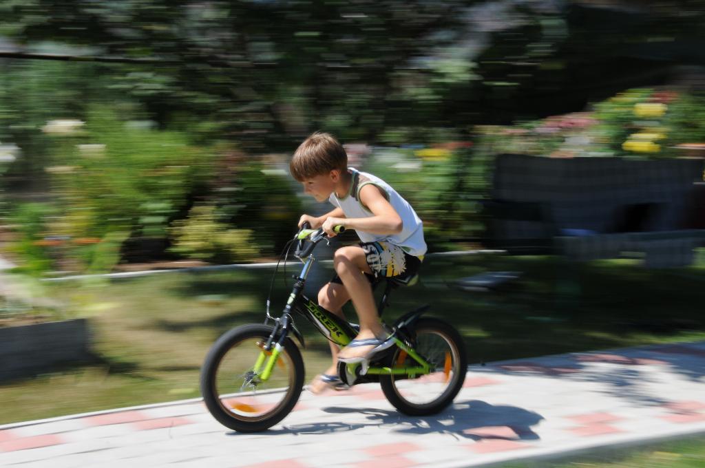 Быстрее ветра))). Укрощение велосипеда