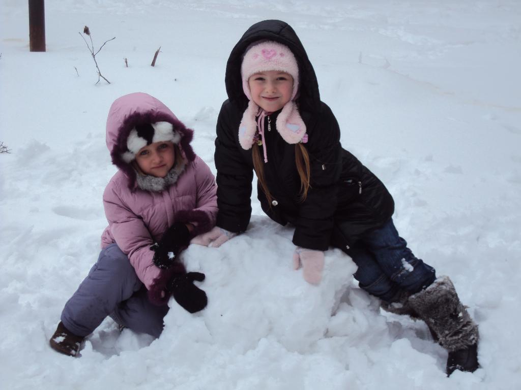 Лепим снеговика!. Играем вместе