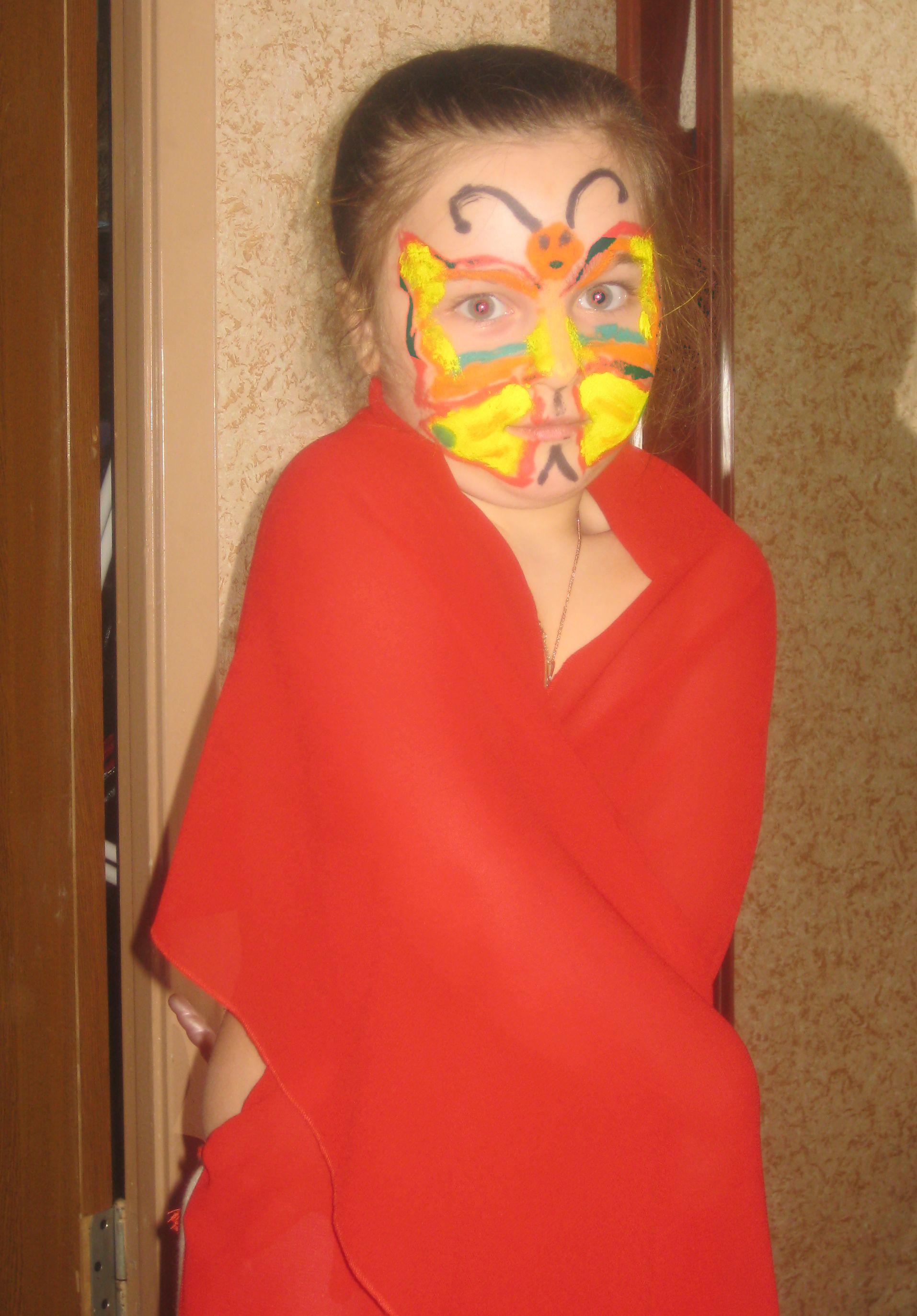 мам, я похожа на бабочку?. Я рисую