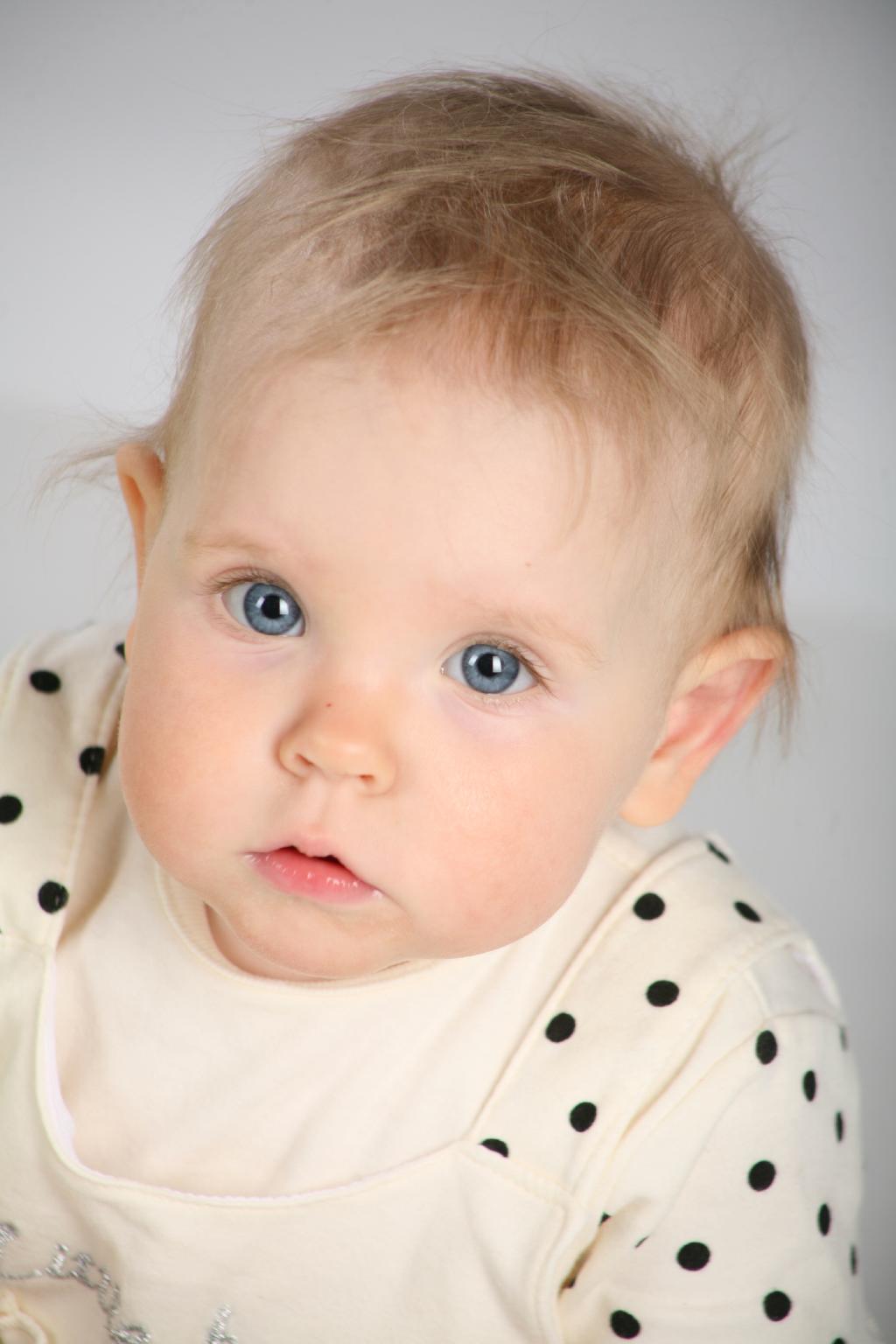 Лиана 10 месяцев. Малыш на обложку