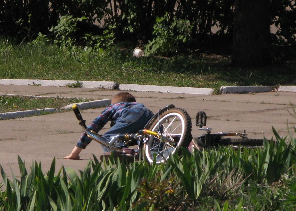 7 раз упал - один поехал.. Укрощение велосипеда