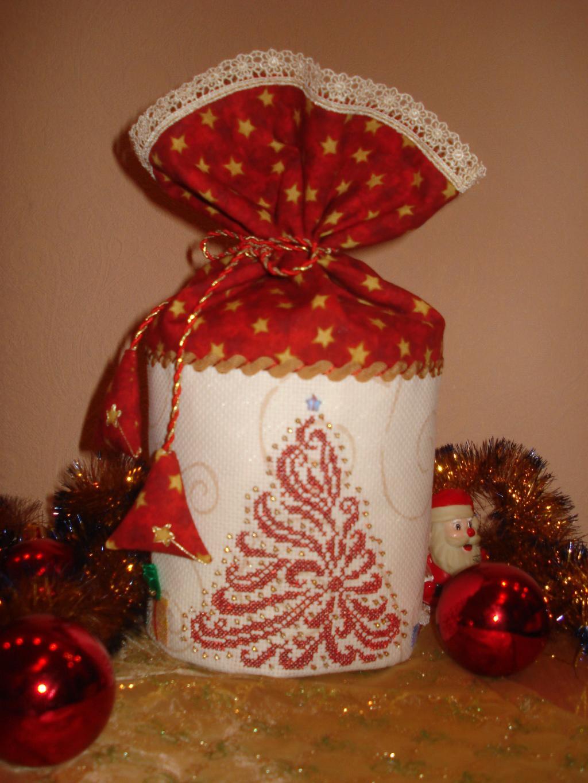 Новогодний мешочек с подарками.. вышивка