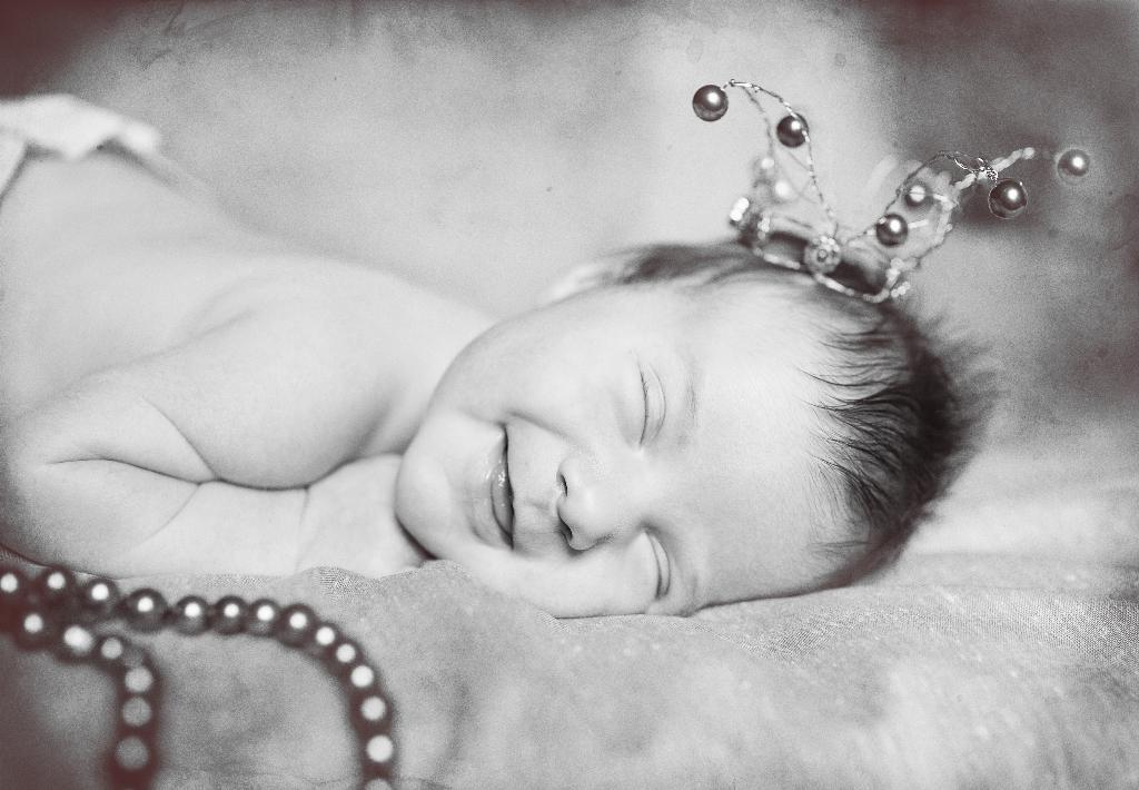 первая улыбка. Малыш на обложку