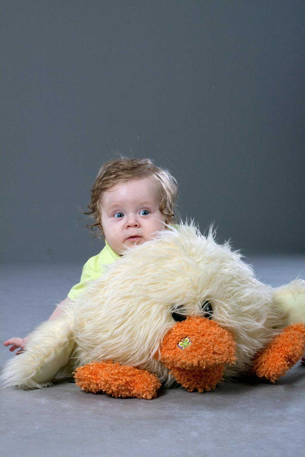 Оранжевое настроение. Малыш на обложку