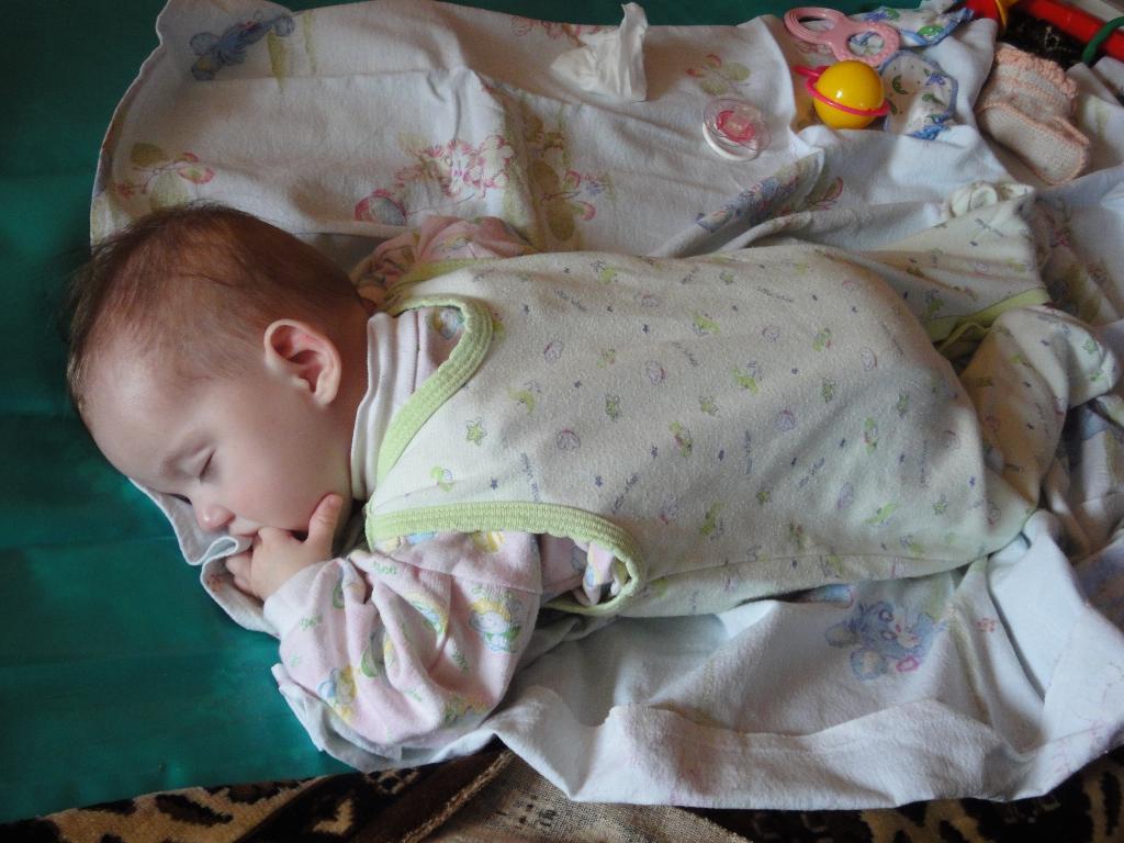 Не привыкла я к соске!. Спящие дети
