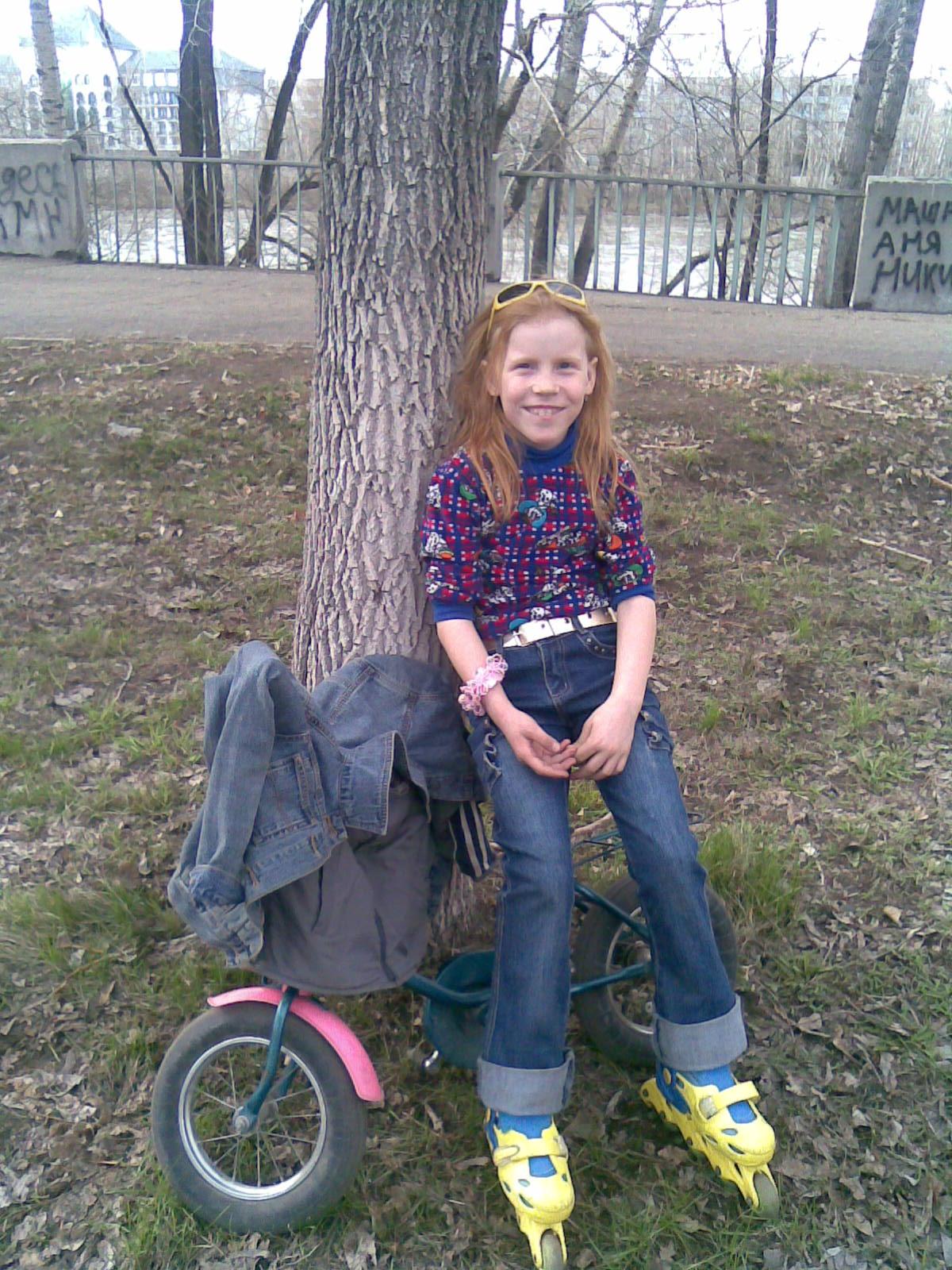 А я умею на роликах и велосипеде одновременно!!!. Укрощение велосипеда