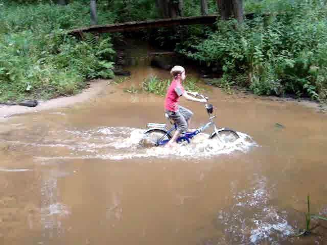 Танки грязи не боятся!. Закрытое голосование фотоконкурса 'Укрощение велосипеда'