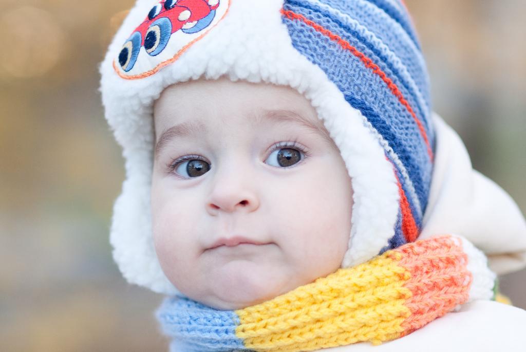 Осень, стало холодать.... Малыш на обложку