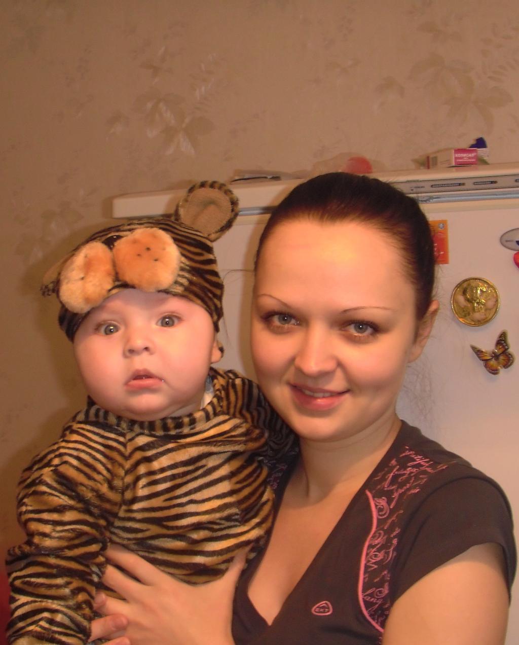 Мой тигрёнок;). Мадонна с младенцем