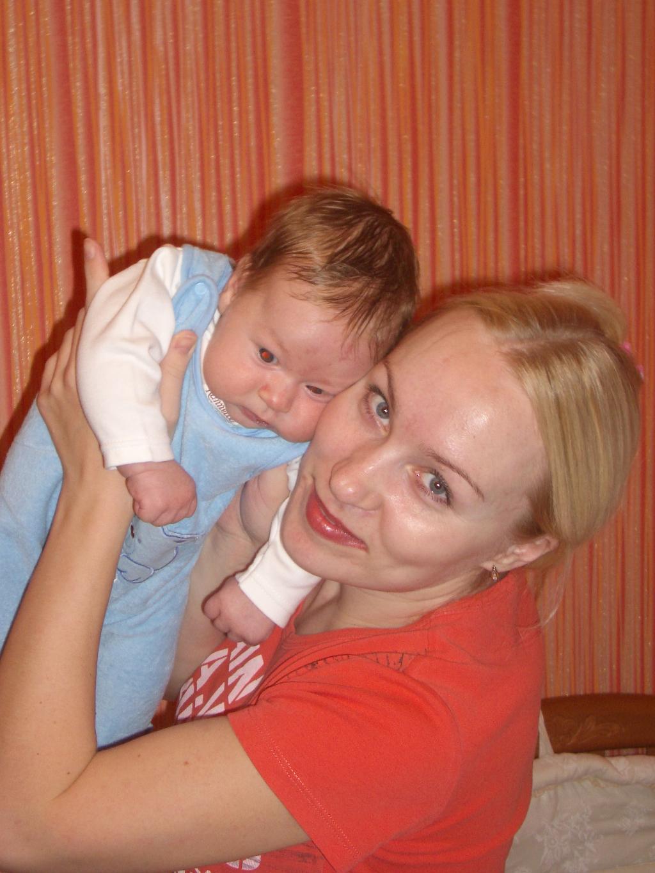 Мы счастливы!. Мадонна с младенцем