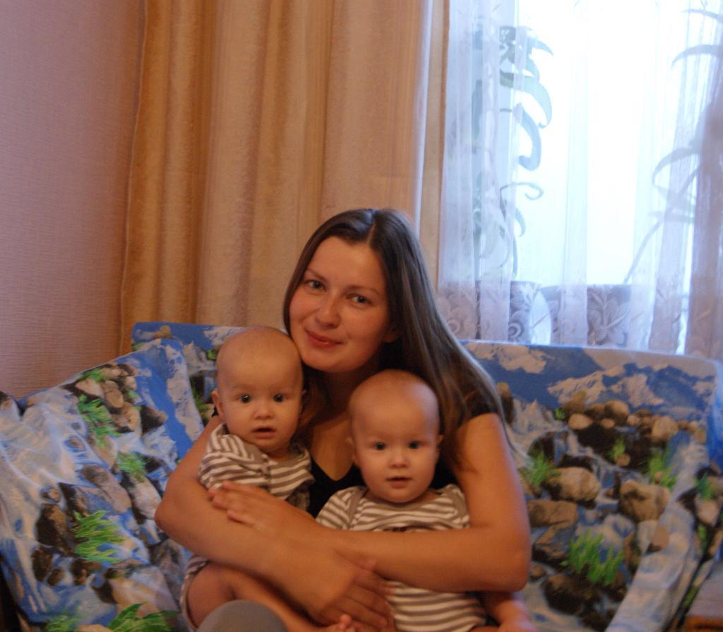 двойная радость. Мадонна с младенцем