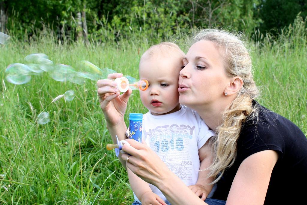 Мы пускали пузыри!. Мадонна с младенцем