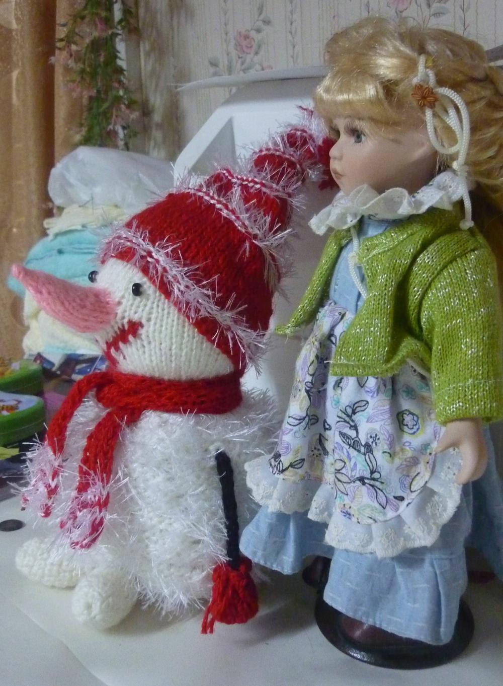 ...Появился снеговик.... Вязаные игрушки