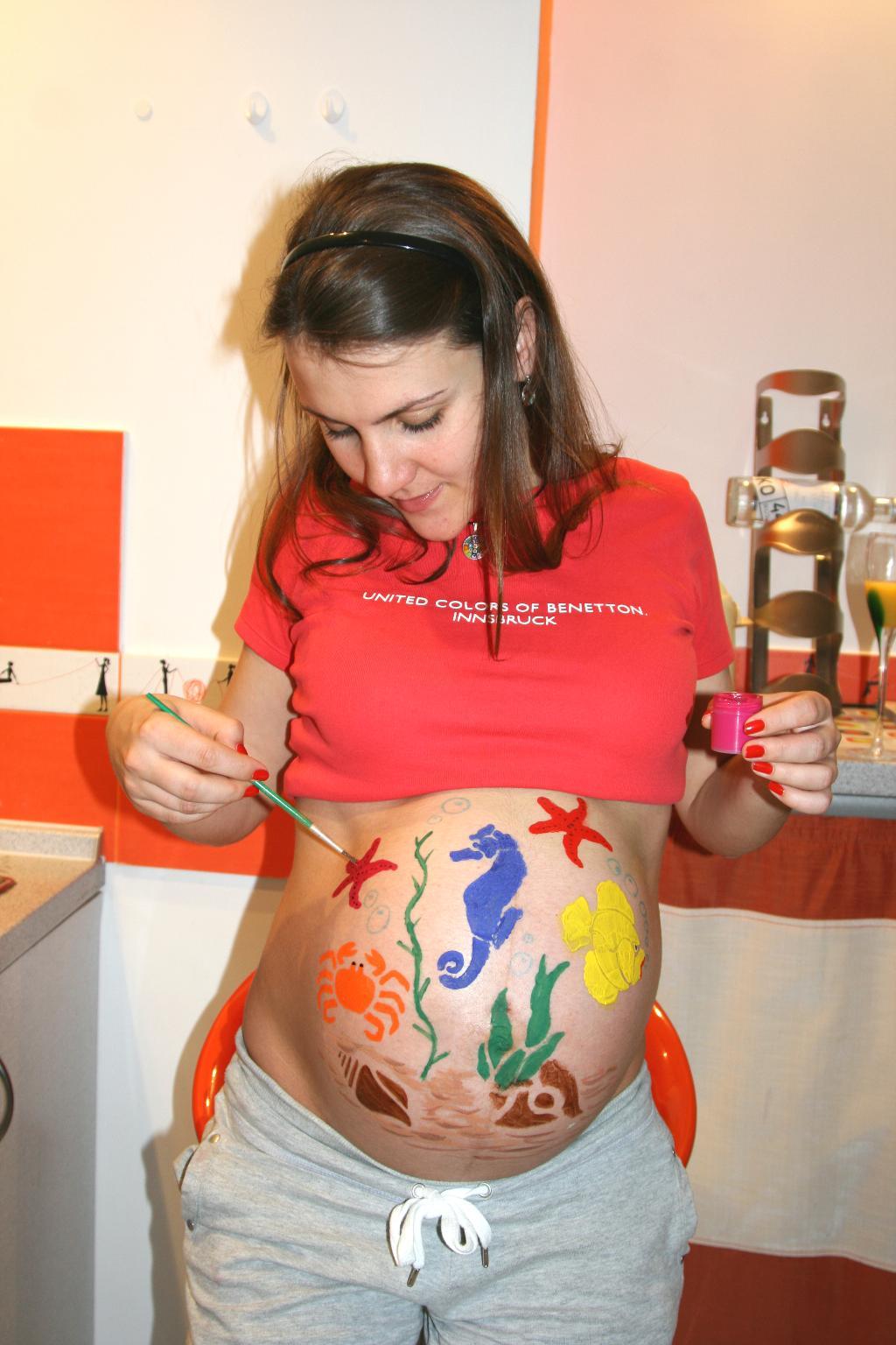 Belly Paint . Рисунок на животе