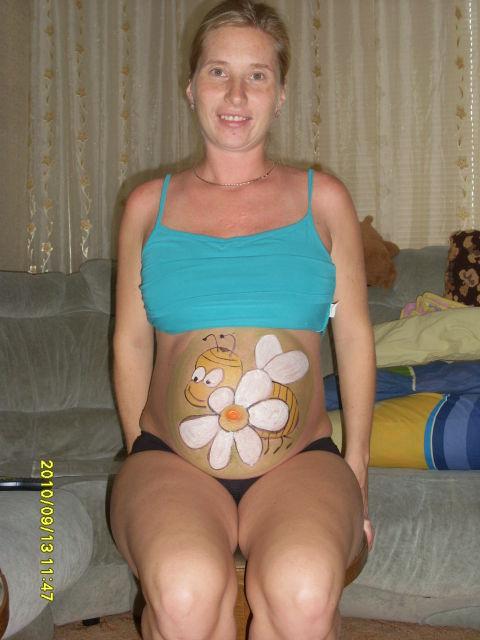 Веселая беременность. Рисунок на животе