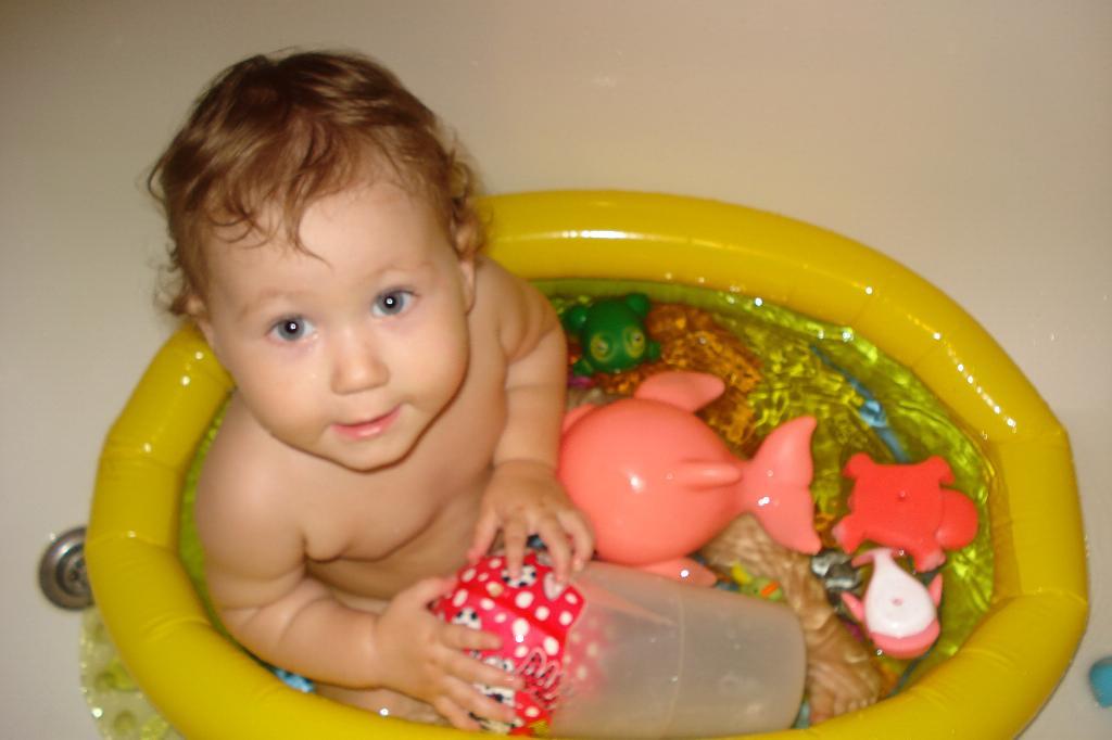 Давайте же мыться, плескаться, купаться.... Играем в ванной
