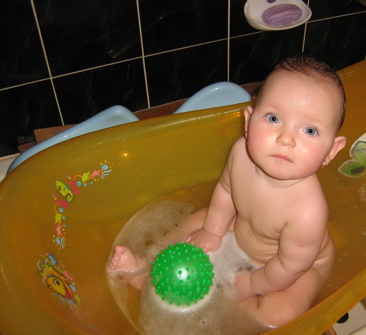 красотка. Играем в ванной